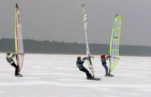 Где заниматься зимним виндсерфингом на лыжах