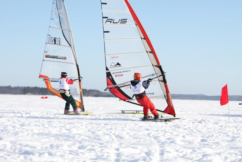 Виндсерфинг на лыжах и санях